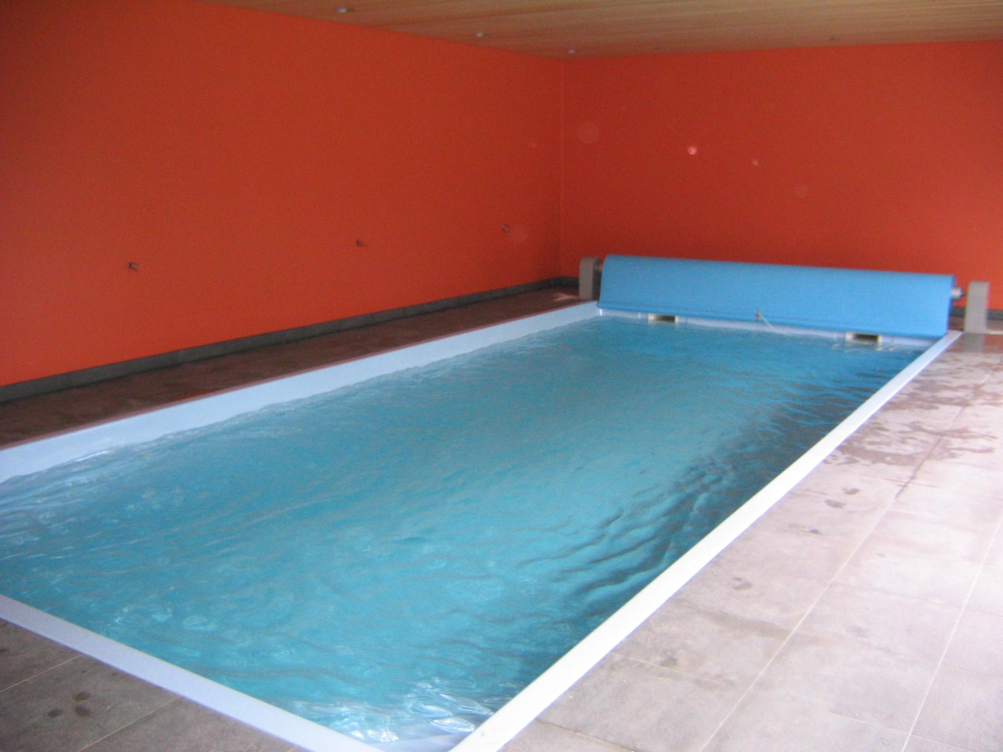 Gillet zwembaden polyester zwembaden for Zwembad verwarmen